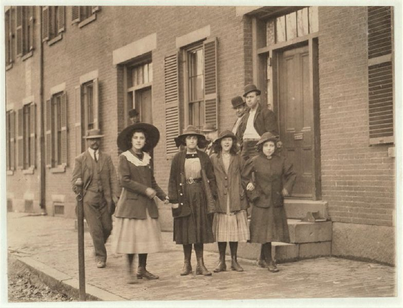 Lowell Mill Girls in the early 1900's